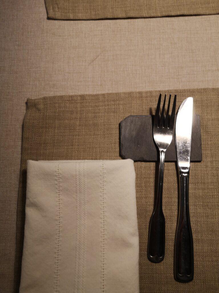 kombination bordstablett och servetter