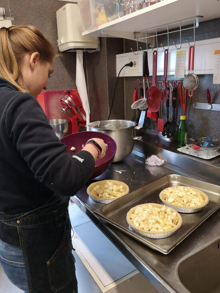 Förbereda äppelpajer